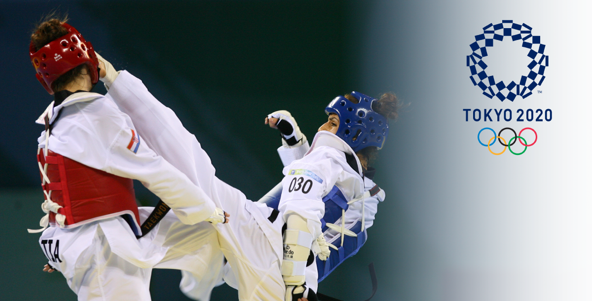 Two Taekwondo Women fighters disputing a place during the Olympics trials