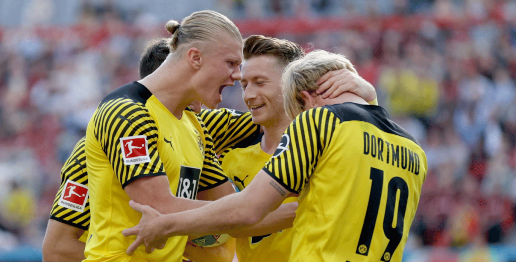 Borussia Dortmund is favourite to win the 21/22 Champions League group C
